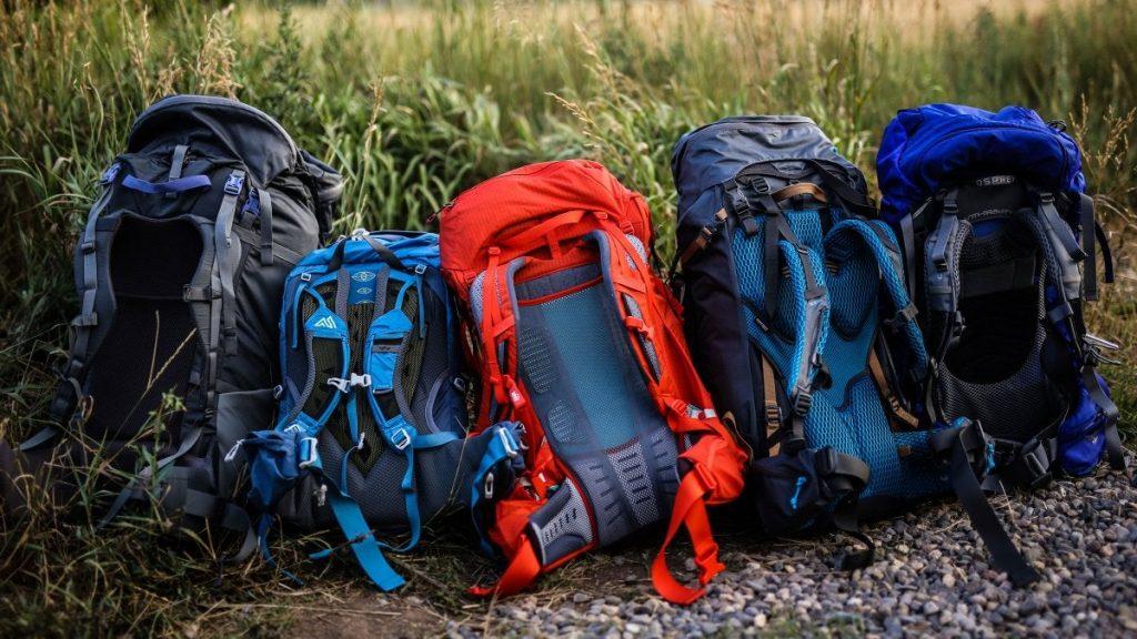 کوله پشتی های کوهنوردی به دسته های متنوعی تقسیم میشوند کمپ شاپینگ خرید لوازم کوهنوردی