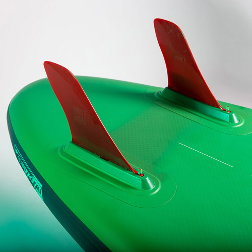 رد پدل از فین های دوبل در مدل voyager استفاده کرده است