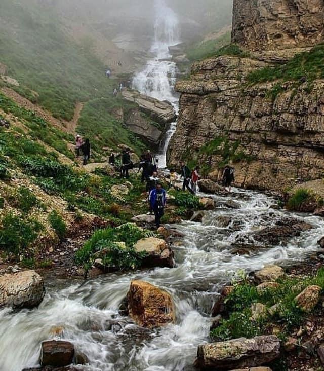 آبشار دریوک و دشت نمارستاق کمپ و شب مانی مسیر پیمایش