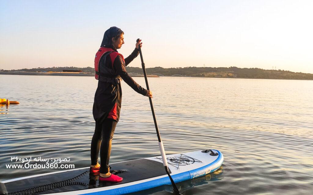 پدل برد خانم ها در دریاچه چیتگر