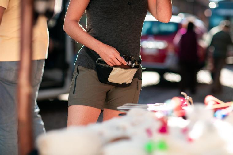کیف کمری زنانه طبیعت گردی تاشو هیچهایک
